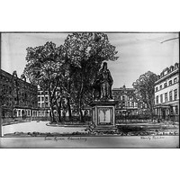 North end of Queen Square & statue by Hanslip Fletcher
