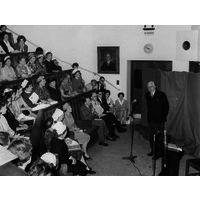 Sir Ernest Gowers in the Wolfson Lecture Theatre. 1960