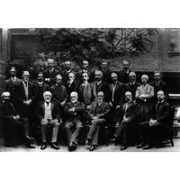 Consultants group photo 1906