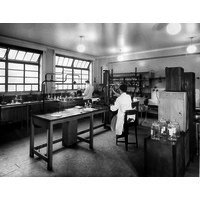 Laboratory in Queen Mary Wing c 1938